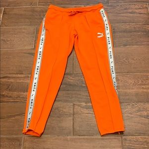 NWOT puma Athletic joggers